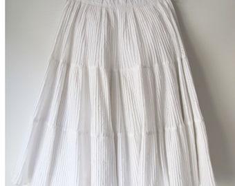Vintage white eyelet pleated skirt