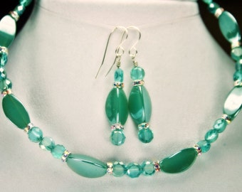 Deep Mint Green Memory Wire Necklace and Earrings