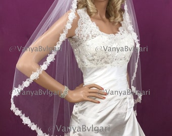 Wedding veil in fingertip with beaded roses lace edge design, bridal lace veil in full width classic style veil with luscious lace