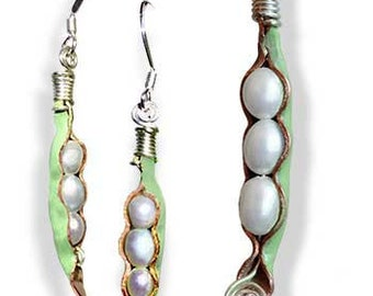 Pearl Pod Earring and Pendant Set