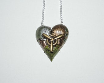 Steampunk Heart Necklace with spinning action, green and metal valentines day gift