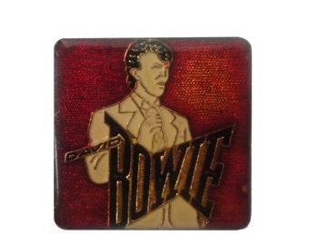 DAVID BOWIE vintage enamel pin button badge lapel glam rock fashion fame twin peaks