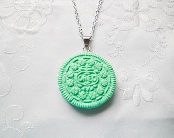 Green Oreo Cookie Necklace, Cookie Necklace, Oreo Necklace, Kawaii, Sweet Lolita, Cute, Food Necklace, Polymer Clay, Pastel, Food Jewelry
