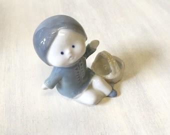 Girl figurine, vintage girl, vintage figurine, little girl figurine, collectible figurine, china figurine, girl ornament, ceramic figurine