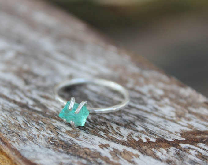 Esperance Ring - Raw Ocean Blue Stone Ring