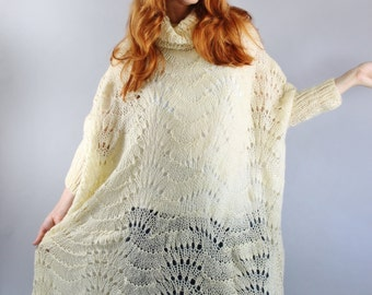 Vintage 70s Womens Cream Crochet Boho Poncho Shawl Sweater