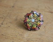 Antique enamel maple leaf lace pin ∙ Edwardian 1910s enamel lapel pin