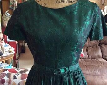 Vintage 1950s Dress Iridescent Hunter Green Has Original Belt Metal Back Zipper