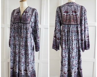 Vintage Indian peacock print dress