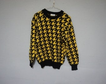 STOREWIDE CLEAROUT SALE color block houndstooth black and yellow men unisex slouchy pullover vintage 80s 1980s chunky knit sweater large L c