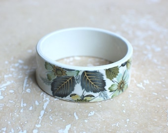 StayGoldMaryRose - Gorgeous vintage china 'Wildmoor' teacup bracelet.