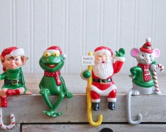 1980s Frog Stocking Holder, Mouse Stocking Hangers, Christmas Mouse, Christmas Frog Kermit, Kitschmas Decor, Small Plastic Mantel Ornaments