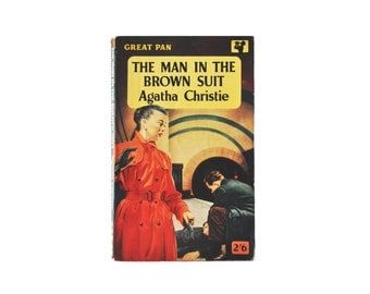 Agatha Christie: The Man in the Brown Suit. 1958 Great Pan Paperback. Collectable. Red. Yellow. Vintage. Mystery. Crime.