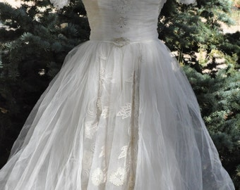 1950s, 1960s Wedding Dress - Size Small