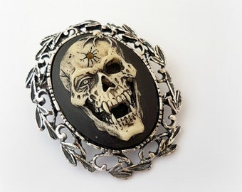 Vampire skull cameo brooch pendant, gothic horror necklace, spooky Halloween costume jewelry