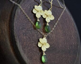 Plumeria Jewelry Set with Peridot Gemstones/ Gold Plumeria Necklace/ Plumeria Earrings/ Peridot Jewelry/ August Birthstones/ Hawaii Wedding