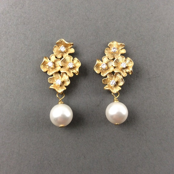 Gold Earrings With Cubic Zirconia  And White Swarovski Crystal Pearls
