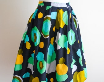 1950s Bright cellular print pleated cotton skirt / 50s printed day skirt - S