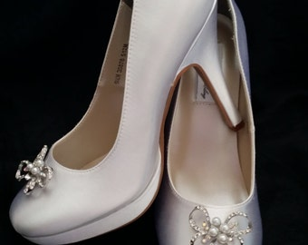 Wedding Shoes Closed Toe Bridal Shoes with Pearl and Crystal Bow Brooch - Dyeable Bridal Shoes - Pick your Color