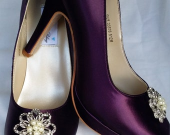 Purple Wedding Shoes Closed Toe Bridal Shoes with vintage style pearl and crystal flower Brooch - Dyeable Bridal Shoes - Pick your Color