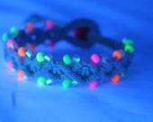 glow in the dark hemp bracelet with neon beads, macrame, micromacrame, hippie, rave, 90s, 80s, music festivals, UV