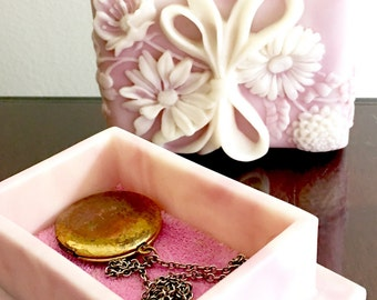 Floral Cameo Jewelry Box Vintage Avondale Crushed Glass Ring Box Blush Rose Pink Trinket Box Shabby Chic Decor For The Boudoir Dressing Room