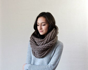 chunky knit infinity scarf . infinity loop scarf . chunky infinity circle scarf . // Le Fleur - TAUPE