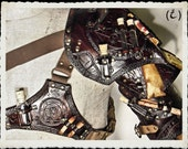 Brown leather shoulder armor - Alchemist -
