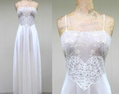 Vintage 1970s Negligee / 70s Ivory Nylon Lace Bias Cut Nightgown Bridal Lingerie / Small
