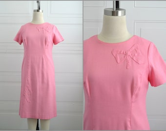 1960s Pink Bow Applique Sheath Dress