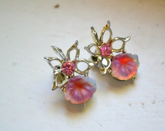 1950s Pink Rhinestone and Lucite Flower Clip Earrings