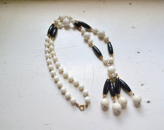 1960s Black and White Bead Tassel Necklace