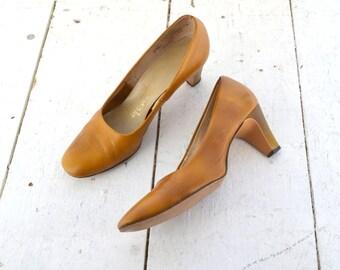 1960s Life Stride Vinyl Heels, Size 5 1/2