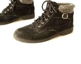 vintage size 8 women's HIKING sweater LEATHER ankle BOOTIES