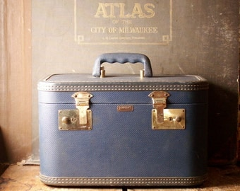 Vintage Blue Towncraft Train Case - Retro Makeup Case Luggage
