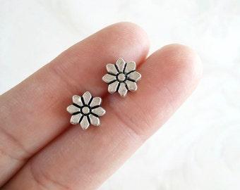 flower stud earrings, floral earrings, Antique silver earrings, victorian style, Vintage style, gift under 15, flower post earrings