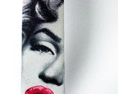 Marylin Monroe necktie. Red lips necktie. Movie tie. Hot kiss tie. Pop art tie. Silver Screen print tie. Hipster tie. Geek tie by Tiestory.