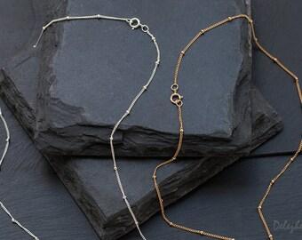 Dainty Minimal Necklaces