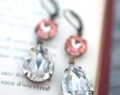 Pink earrings, crystal earrings, Swarovski Chandelier earrings, Bridal earring, Bridesmaids gift, Dangle earring, Drop earring, rose