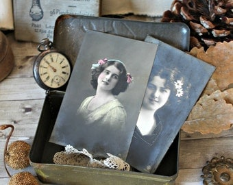 French antiques - Set of 2 postcards young womens portraits flowers1900s collection shabby chic retro french cottage