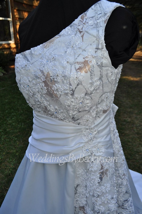 Camo beaded lace wedding dress by weddingsbybecky on etsy for Where to buy camo wedding dresses