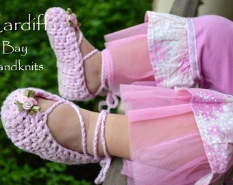 Crocheted ballet slippers, ballet flats, pointe shoes,booties, baby,girls,pink, lace up,ankle ties,straps,custom made,shower gift