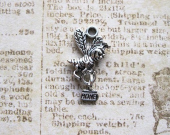 SALE - 5 Honey Bee Charms in Silver Tone - C2276