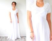 Vintage white wedding dress // short sleeve wedding dress // modest wedding dress gown //cap sleeve wedding dress // small wedding dress