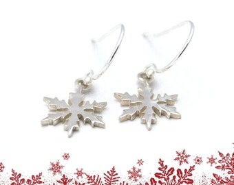 Fast Shipping Jewelry, SNOWFLAKE EARRINGS, Sterling Silver, Girls Snowflake Earrings, Winter Jewelry, Gift for Mom from Daughter