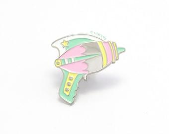 Pastel Ray Gun Enamel Pin - Hard Enamel Pin Cloisonné Raygun Lapel Pin Pastel Gun Pin Badge Kawaii Laser Gun Pin Sci-Fi Ray Gun