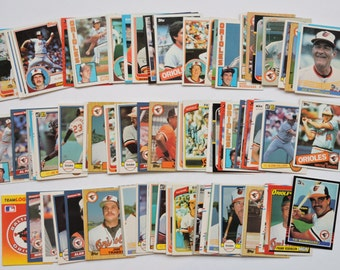 Baltimore Orioles - Lot of 100 Assorted Vintage Baseball Cards