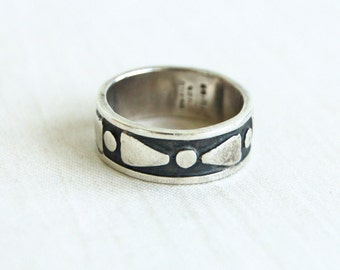 Mexican Ring Sterling Silver Band  Size 6 .75 Wedge Bow Tie Design Vintage Taxco Mexico Jewelry