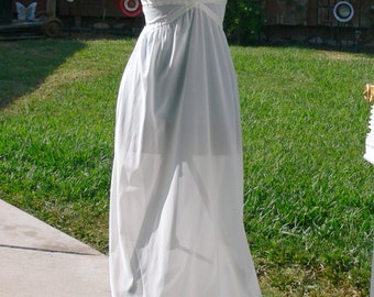 seamrufe long white sheer nighgown size bust 32