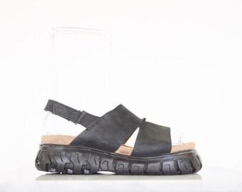 90s Chunky Black Leather Slingback Sandals / Women's Size 7.5 US - 38 Eur - 5.5 UK